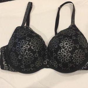 Victoria's Secret Push Up Bra 36DD Underwire